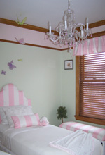 Small Victorian Style Kids Bedroom