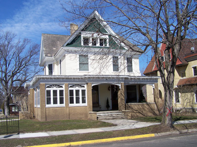 1904 Cross Gabled Victorian House